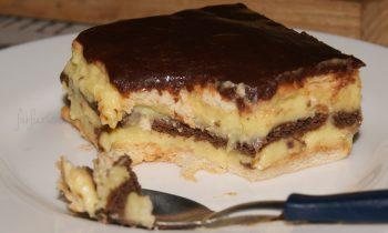 prăjitură fără coacere cu biscuiți și cremă de vanilie