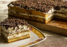 prăjitură cu ness, frișcă și napolitane