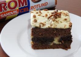 prăjitură cu biscuiți și cremă de vanilie