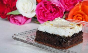 prăjitură cu magiun și bezea