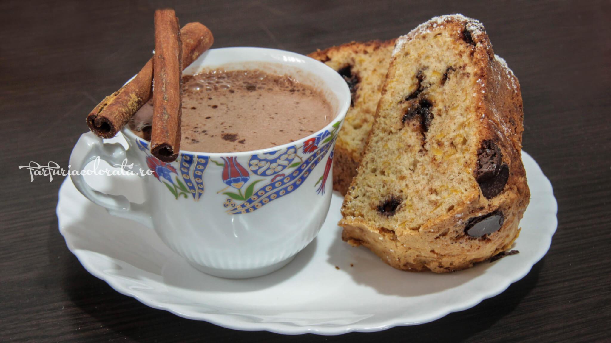 guguluf cu dovleac și ciocolată