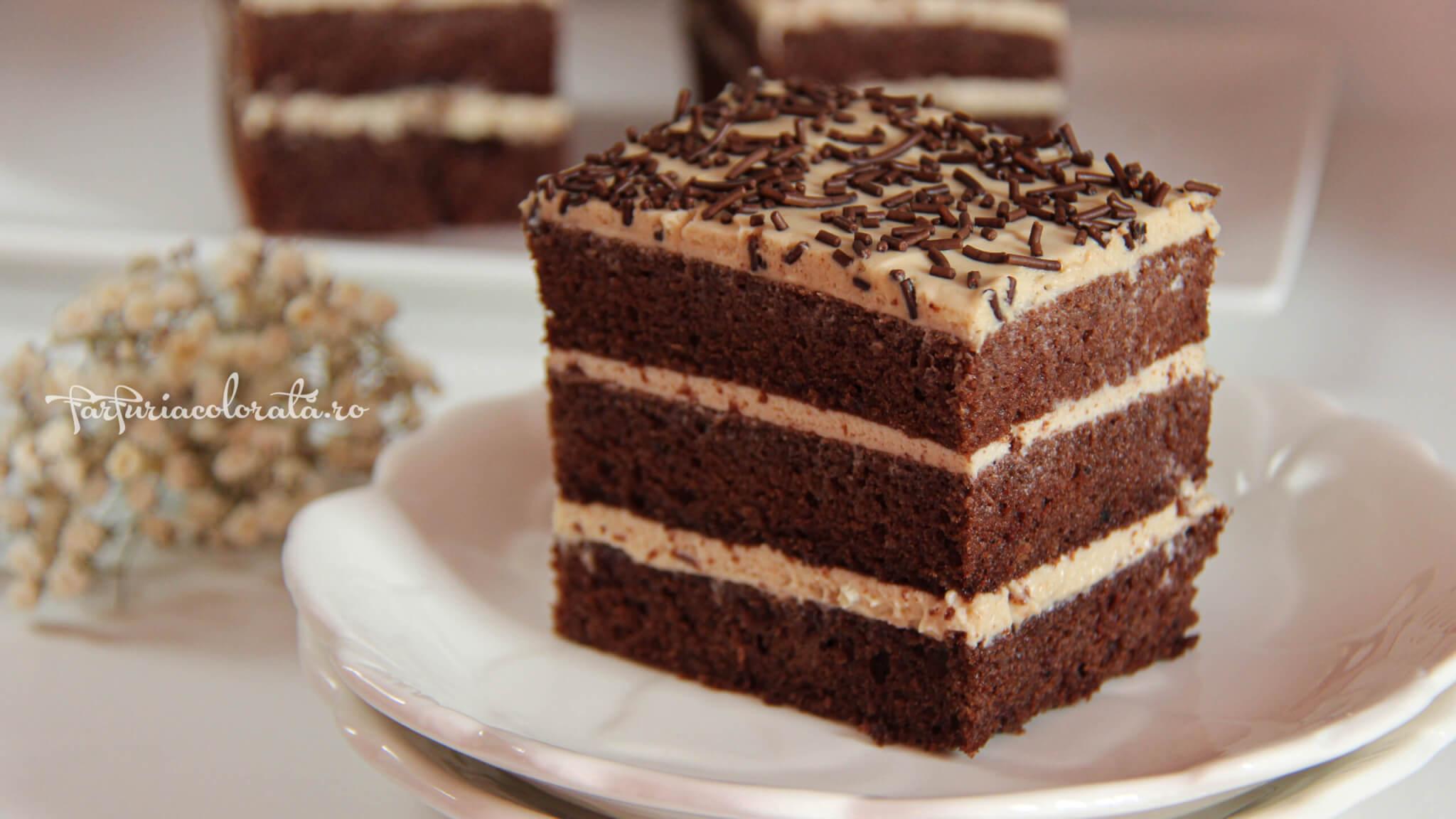 prăjitură cu ciocolată și cafea