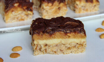 prăjitură snikers