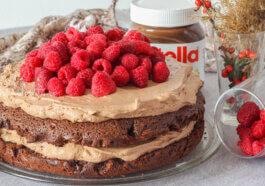 Brownie cu Nutella și zmeură